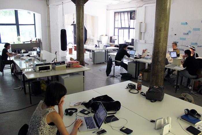 Hot Desking的辦公室, 同事的直線電話號碼怎辦?